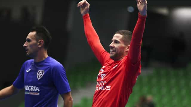 Benfica arranca Ronda de Elite da Champions com goleada