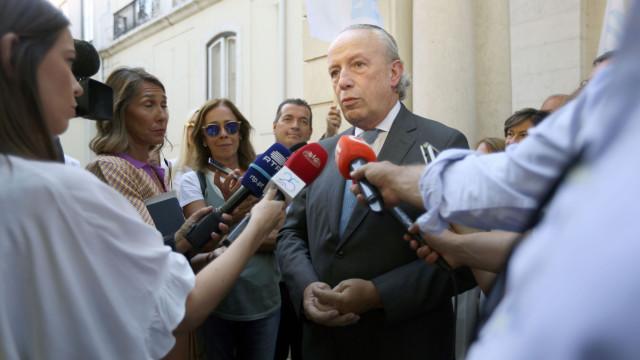 """Santana Lopes quer """"um novo ciclo"""" para o Sistema Nacional de Saúde"""
