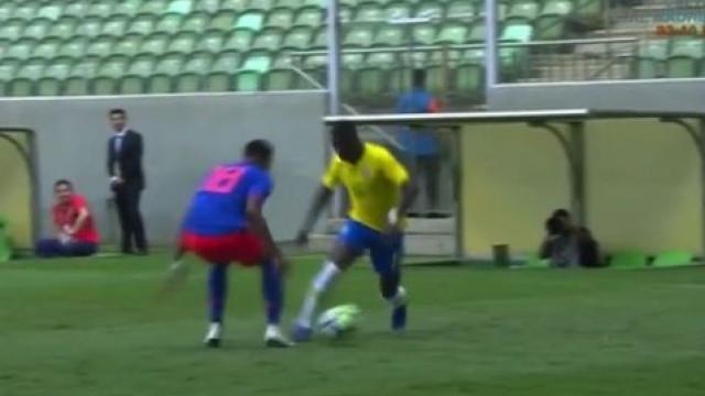 Vinícius Jr. 'imitou' Ronaldinho com finta estonteante