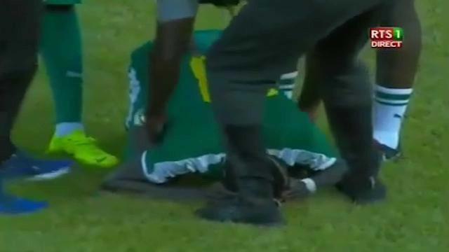 Mané acaba jogo em lágrimas e irmão 'atira-se' aos senegaleses