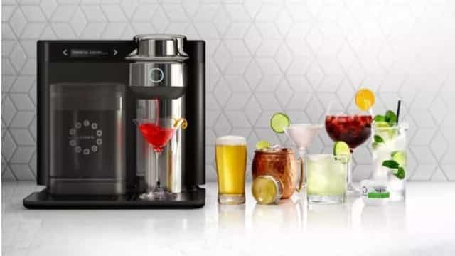 Esta máquina faz 24 tipos de bebidas alcoólicas. Só precisa de cápsulas