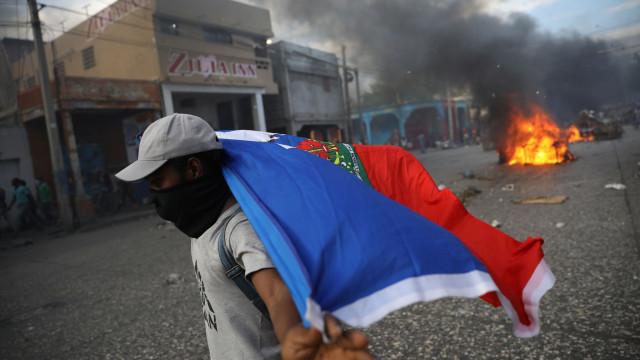 Sobe para seis número de mortos no Haiti em manifestações anticorrupção