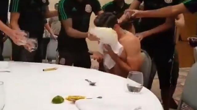 Assim se festeja um aniversário na seleção do México