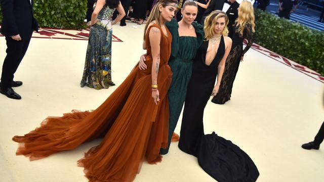 'Passadeira verde': As celebridades que apostam na moda sustentável