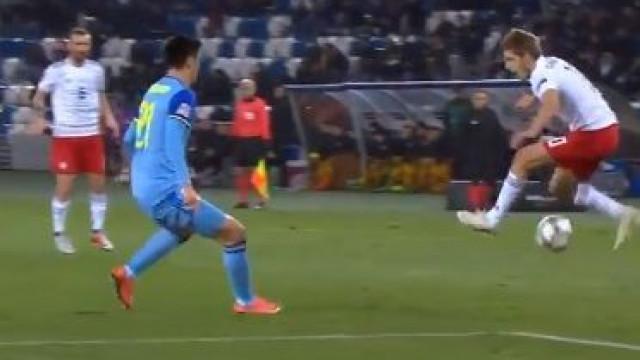 Jogador da Geórgia brilha diante do Cazaquistão com receção incrível