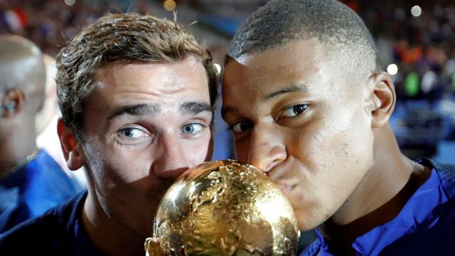 """""""A Bola de Ouro deve ser entregue a um campeão do Mundo"""""""
