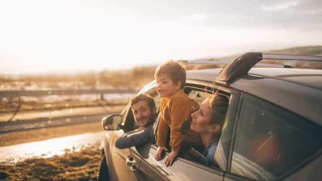 Seis erros a evitar quando tem crianças no carro