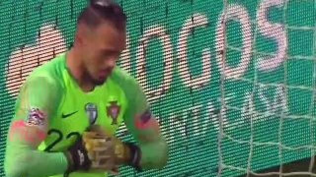 Falta 'desnecessária' de Danilo permitiu a Milik igualar marcador