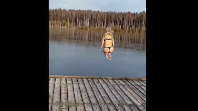 Mergulho em lago congelado não acabou como previsto