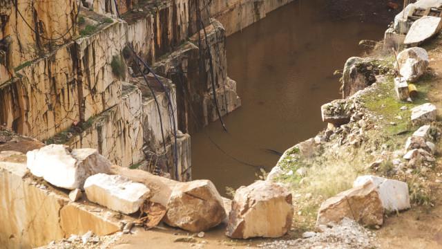 Ambientalistas apontam centenas de pedreiras abandonadas sem salvaguardas
