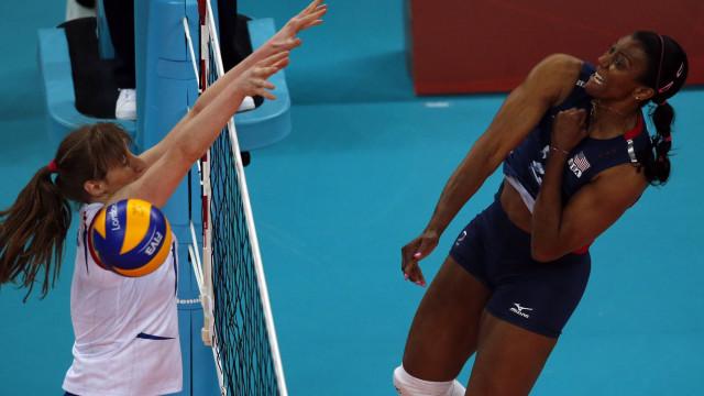 Atleta olímpica em estado grave, após ser esfaqueada pelo cunhado