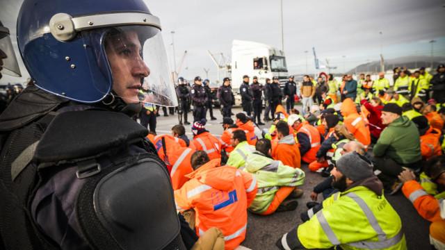 Governo confiante na resolução do conflito laboral no Porto de Setúbal