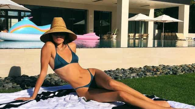 Kendall Jenner exibe curvas em ousada sessão fotográfica