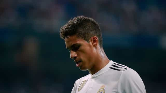 Raphael Varane equaciona sair do Real Madrid