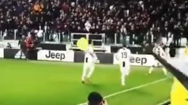 """Arrepiante: Ronaldo marca e adeptos da Juve gritam em uníssono """"SII"""""""