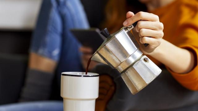 Acabe-se os mitos: A cafeína influencia a pressão arterial?