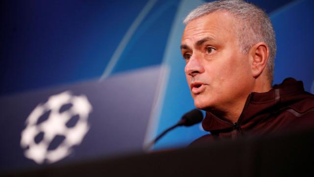 """Mourinho emite comunicado e pede """"respeito"""" até """"regressar ao futebol"""""""