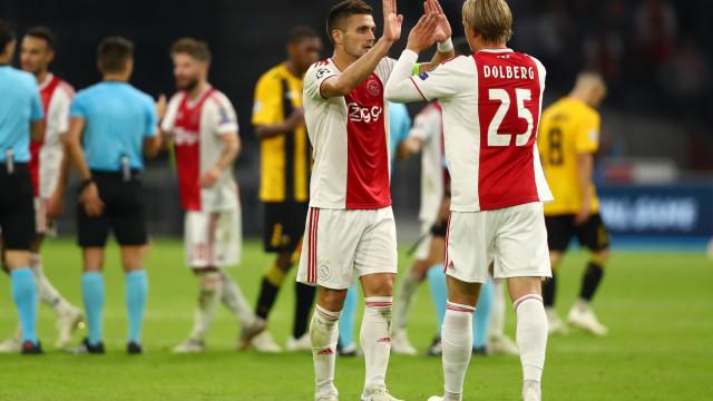 Ajax garante o apuramento e 'oferece' a Liga Europa ao Benfica