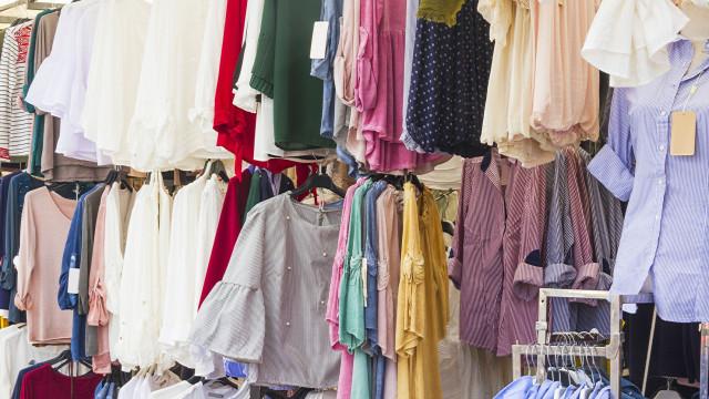 Quase 65 mil euros em artigos contrafeitos apreendidos em mercado semanal