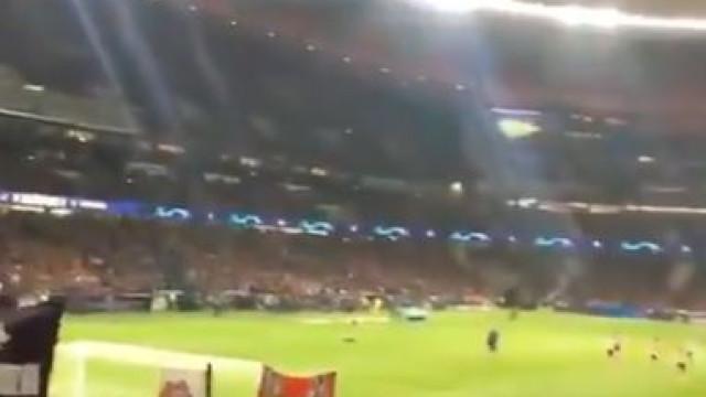 Falcao regressou a Madrid e foi ovacionado pelos adeptos do Atlético