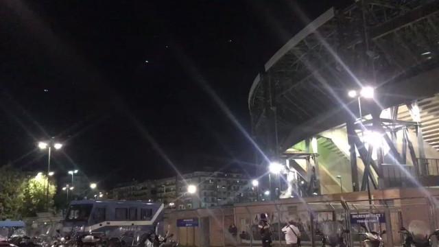 Arrepiante: O impressionante hino da Champions no San Paolo