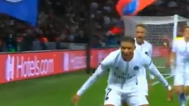 Foi à 'custa' deste golo que Neymar entrou para a história da Champions