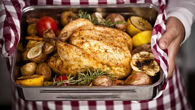 Os cinco erros mais comuns quando se cozinha frango assado