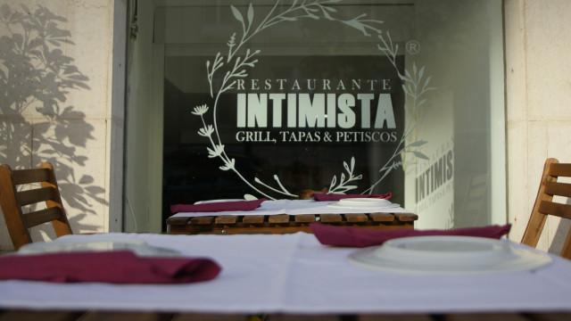 Restaurante Intimista apoia sem abrigo com gorjeta solidária