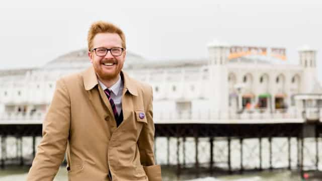 Momento histórico no Parlamento britânico: Politico admite ter HIV