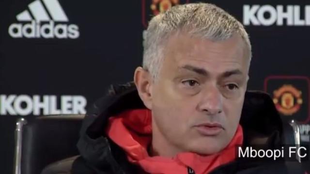 """Mourinho elogia Fellaini: """"Toda a gente sabe que não é Maradona, mas..."""""""