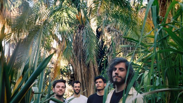 Salto apresentam novo disco ao vivo no Lux Frágil