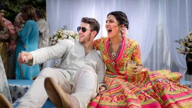 Nick Jonas e Priyanka Chopra revelam primeiras fotos do seu casamento