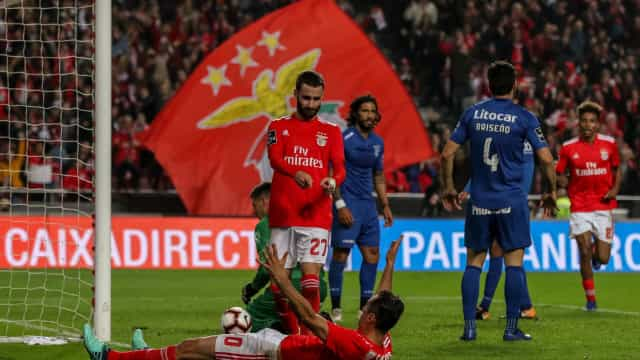 Benfica ainda 'ressonou' mas reagiu ao 'puxão de orelhas' de Vieira