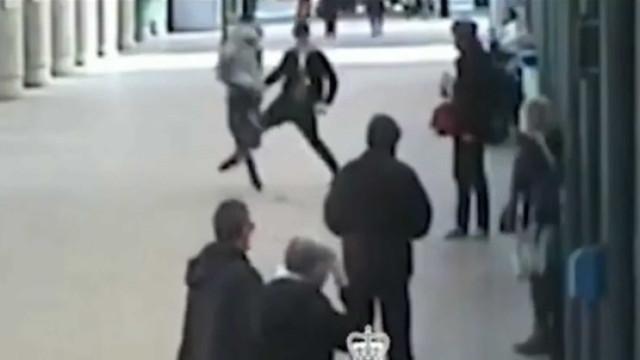 Torna-se herói ao rasteirar homem que roubou dinheiro de ação solidária