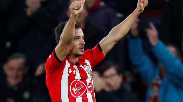 Cédric Soares recompensado pelo grande golo apontado ao Man. United