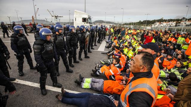 Associação pede solução urgente para fim da greve do Porto de Setúbal