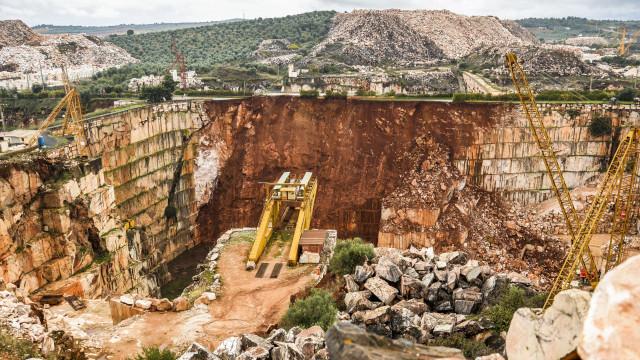 Governo aprova plano de intervenção em pedreiras em estado crítico