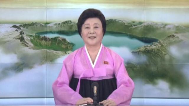 A 'senhora de rosa' da TV norte-coreana terá sido substituída