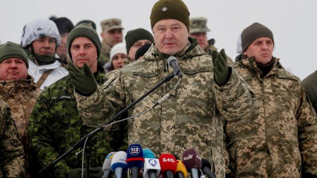 """Presidente ucraniano pede """"renúncia"""" de tratado de amizade com a Rússia"""