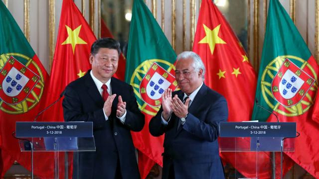 Xi Jinping defende multilateralismo, livre comércio e paz