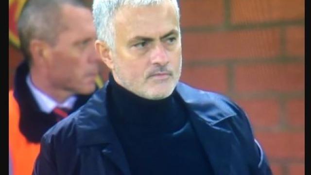 Mourinho nem queria acreditar no 'frango' do ano de De Gea