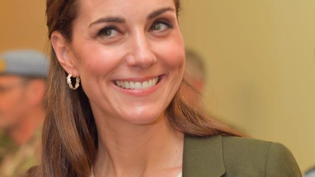 Duquesa ao volante! Kate Middleton dá nas vistas em chegada ao palácio