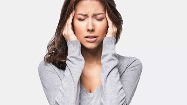 Seis truques naturais para aliviar dores de cabeça e enxaquecas