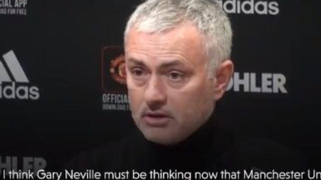Mourinho elogia Diogo Dalot e 'envia' recado a Gary Neville