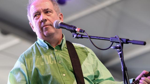 Morreu Pete Shelley, vocalista dos Buzzcocks