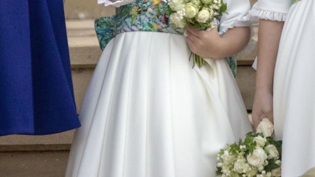 Princesa Charlotte vai a casa de banho pública após 'emergência'
