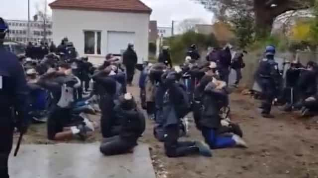 """O vídeo da """"chocante"""" prisão de 151 estudantes que está a chocar a França"""