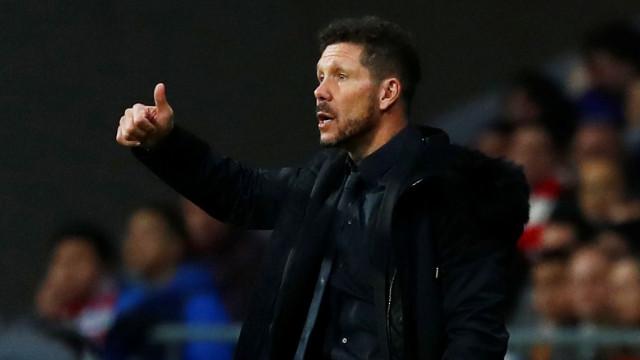 Perguntaram a Simeone sobre reforços e técnico apontou a Gelson