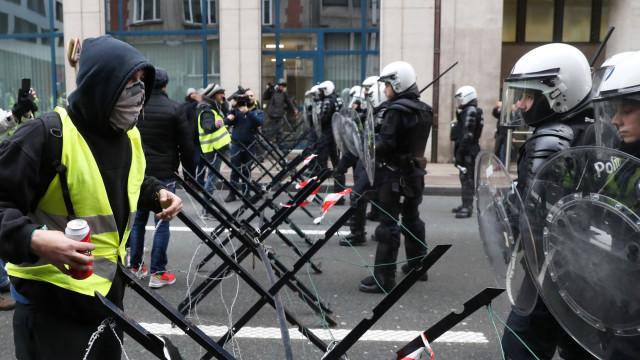 Promessas de Macron parecem não evitar quinto sábado de manifestações
