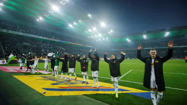 Mönchengladbach vence e recupera segundo lugar na liga alemã